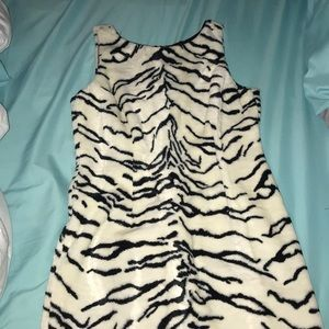 Karen Kane furry like black and white dress sz 10